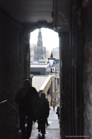 Edinburgh Alley Way! So many of these hidden in the cobble stone streets.