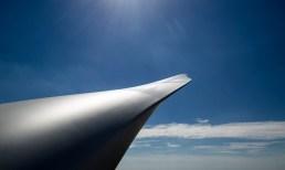 Vestas Flügel einer Windenergieanlage blauer Himmel