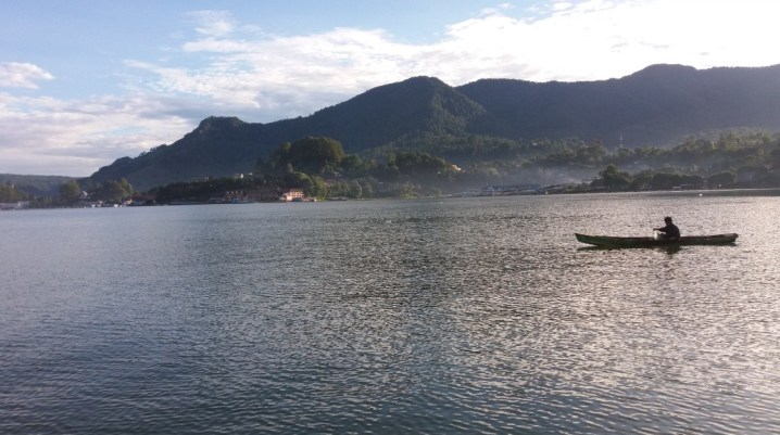 wisata traveling ke danau toba parapat