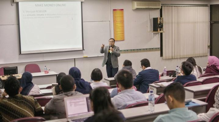 Pembicara Bisnis Online Andreas Agung