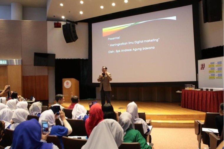 Seminar Internasional Digital Marketing di Hongkong