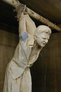 Metallstange-zur-Folterung