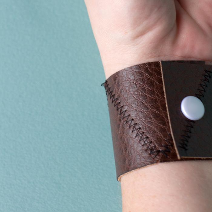 leather-bracelet-square