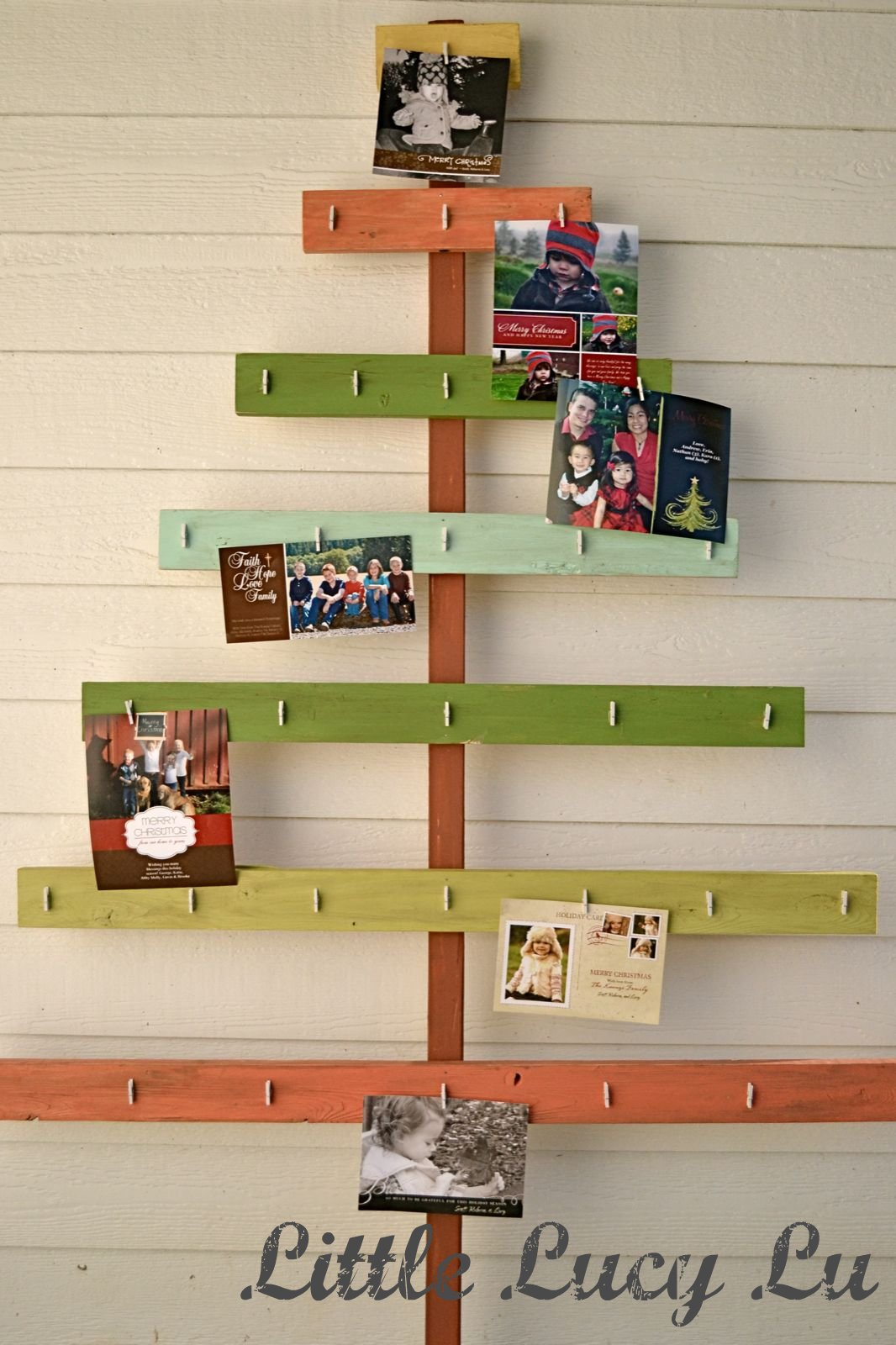 christmas card tree holder! great tutorial!