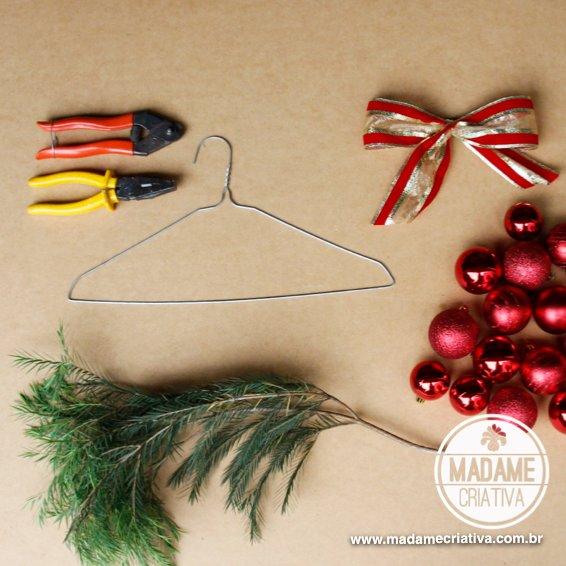 DIY ornament wreath tutorial by MAdame Criativa