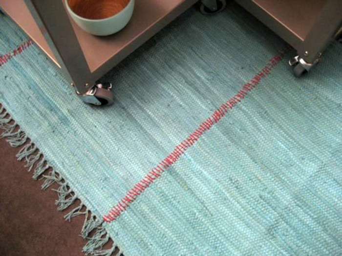 Super simple DIY rug tutorial