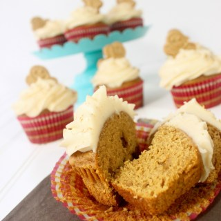 Gingerbread Cupcakes Recipe YUM - AndreasNotebook.com