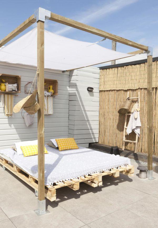 Easy DIY Outdoor Bed