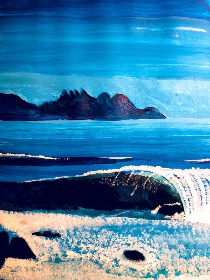 """Hawaii är en stor ö mitt ute på Stilla Havet och tillhör USA. Bilden jag målade av """"själva motivet"""" var ifrån Banzai Pipeline på nordvästra sidan av Hawaii som är känt för att bygga upp väldigt stora vågor på grund av den speciella botten som råder i området. Målningen är av storleken A4 och är gjort i 100% Akrylfärg."""