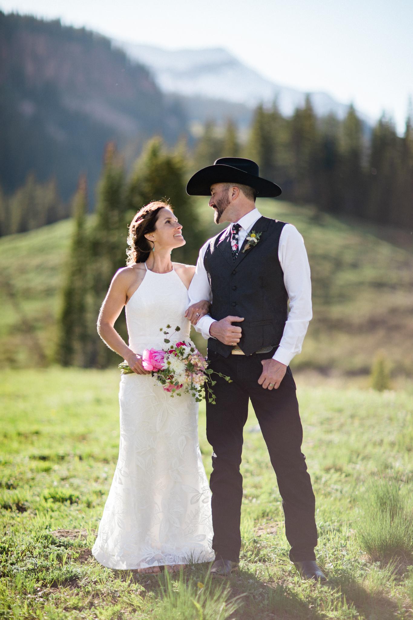 Crested_Butte_Mountain_Wedding_Garden-8