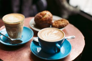 Vrei sa-ti deschizi o cafenea? Iata ce trebuie sa stii!