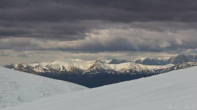 În căutarea iernii prin Munții Grohotișului