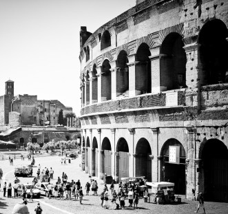Roman coliseum in black and white - really helps dream about the old Roman magnificence.