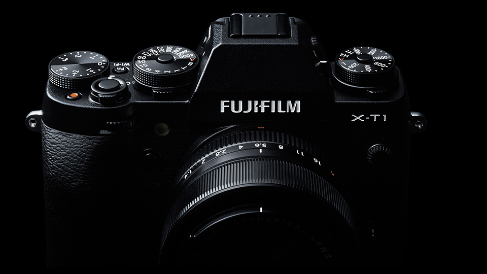 new Fuji X-T1 camera with best in class viewfinder and weather sealing