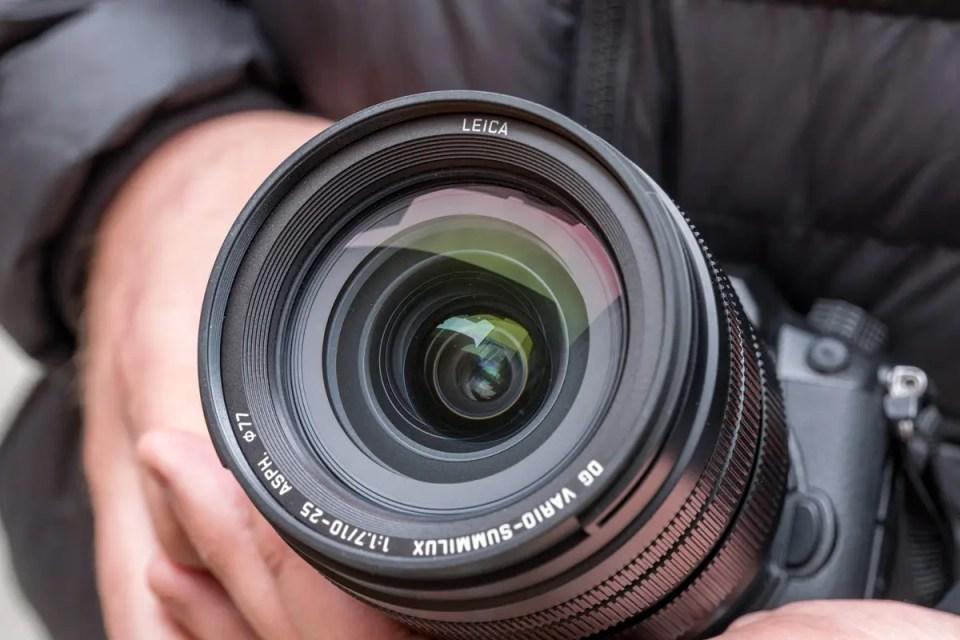 Объектив Panasonic Leica DG Vario-Summilux 10-25mm f/1.7 ASPH. - вид спереди
