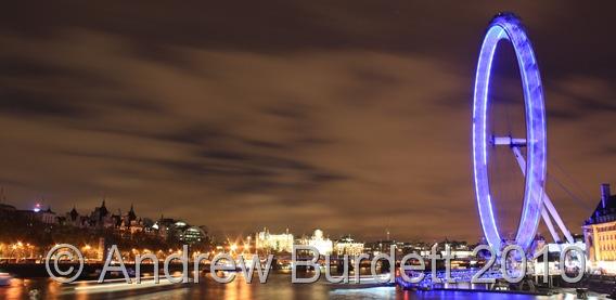 NIGHTEYE_The London Eye illuminated at night