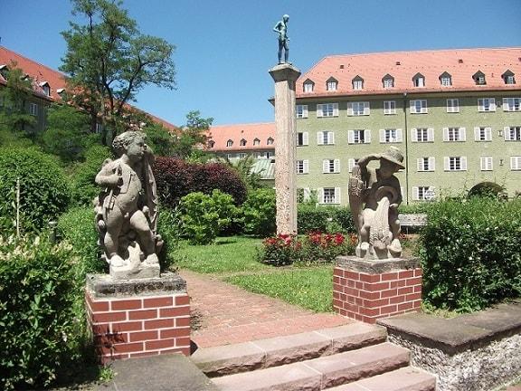 Sculptures in the courtyard of Borstei