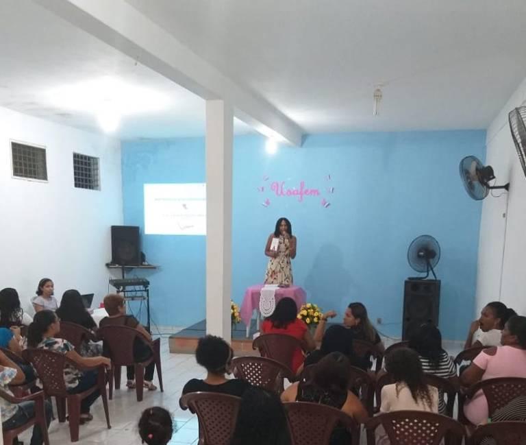 Itacyara Speaks to the Ladies of Maranhão