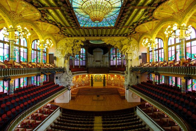 1200px-Palau_de_la_Música_Catalana,_the_Catalan_Concert_Hall
