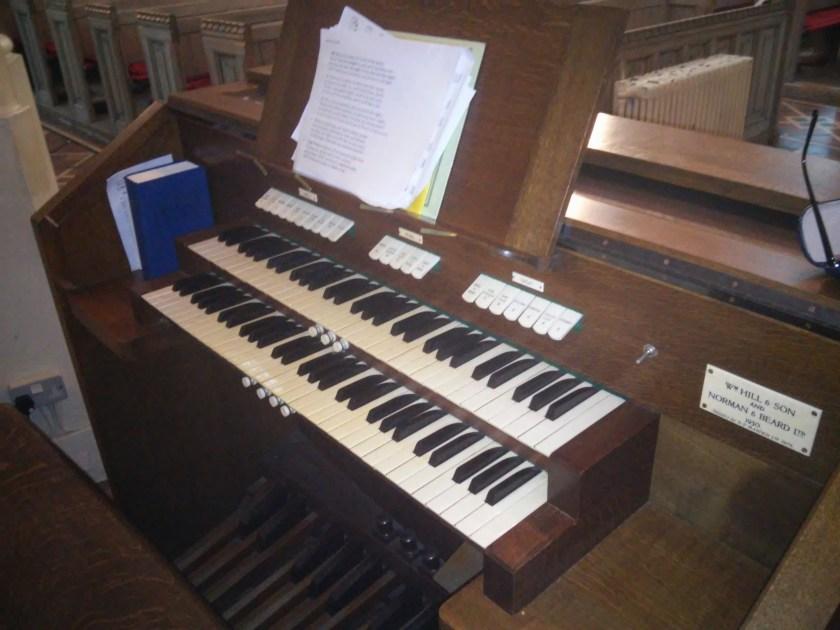 St Bartholomew the Less, Smithfield, organ console, c. 2016.
