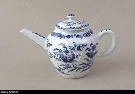 Bow porcelain teapot, c.1758