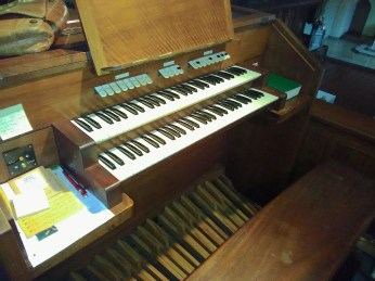 The organ console in the chapel at Haggerston Priory (London UK)
