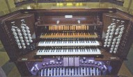The present-day console of the organ (1933) built by Henry Willis and Sons Ltd. in the Grand Temple at Freemasons Hall, London. Rebuilt and restored 2016 by Harrison and Harrison Ltd.