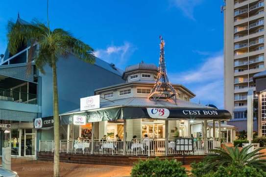 Image of C'est Bon Restaurant exterior at twilight