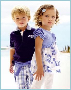 Юные модели в красивой одежде