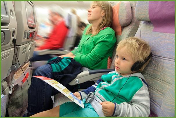 Летим с мамой в самолёте