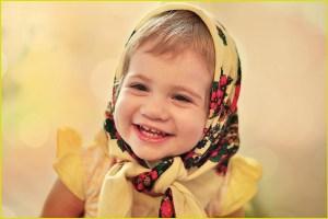 Девочка в платочке