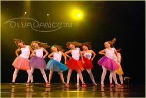 Девочки любят танцы