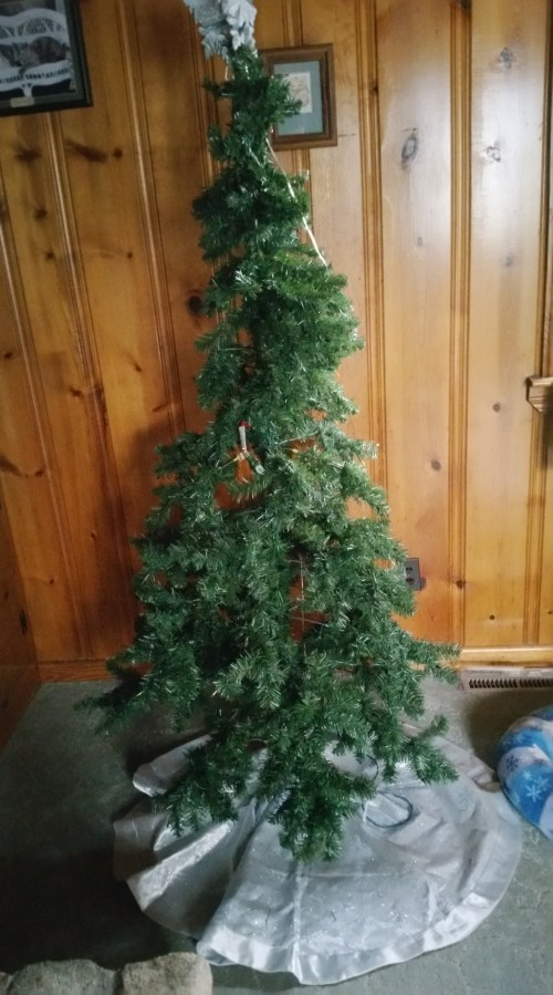 2018 Christmas tree post-Tonks