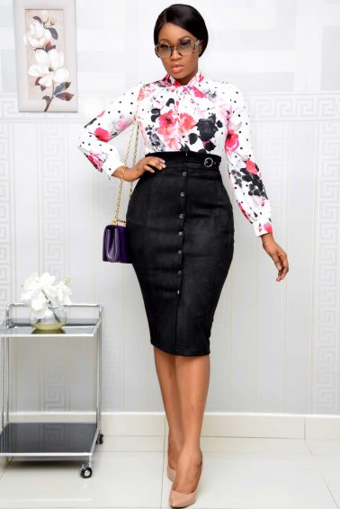 BLACK BOTTON DOWN VELVET SKIRT