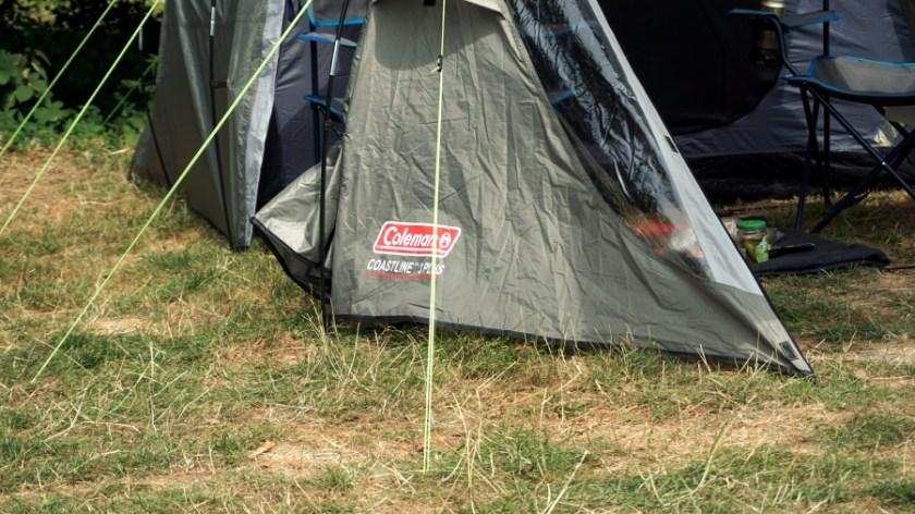 Лучшая палатка для двоих человек Coleman Coastline Plus (1)