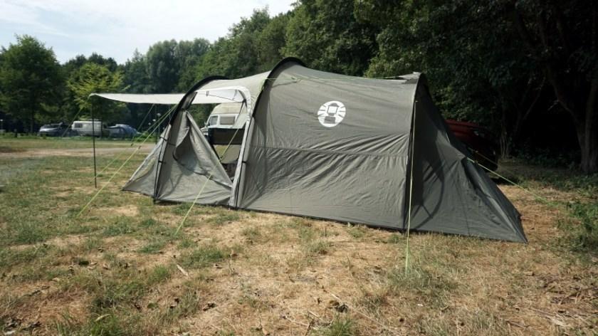 Лучшая палатка для двоих человек Coleman Coastline Plus (4)