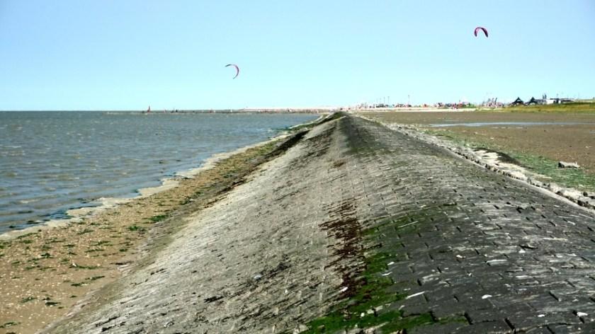 Кемпинг около северного моря (1)