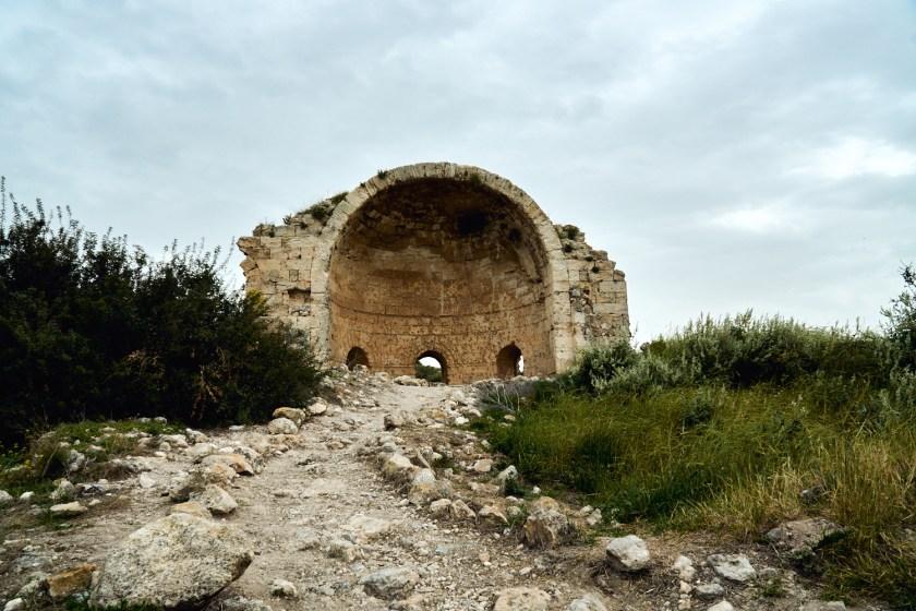Развалины церкви Сятой Анны