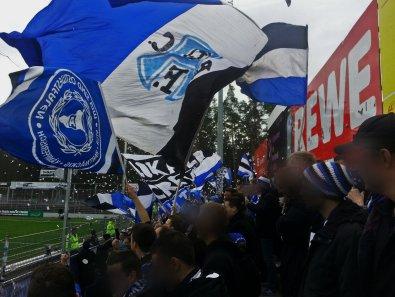 Fans der Arminia aus Bielefeld