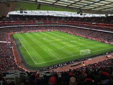 Arsenal schlägt Aston Villa klar