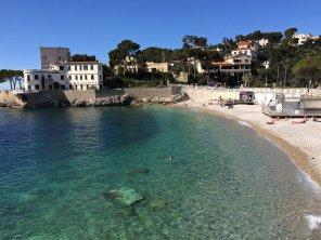 Glasklares Wasser an der Côte d'Azur