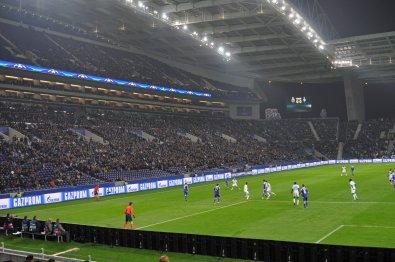Das mächtige Drachenstadion