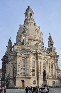 Die bekannte Frauenkirche in der Innenstadt