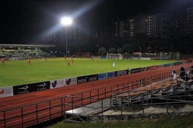 Abendlicher Fussball in Singapur