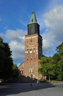 Der Dom von Turku im Licht der Abendsonne