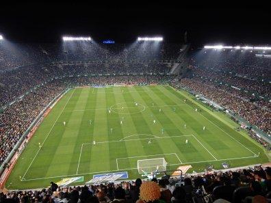 Das ausgebaute Stadion im Süden der Stadt
