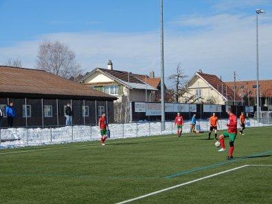 In Thun wird das Testspiel auf Kunstrasen ausgetragen