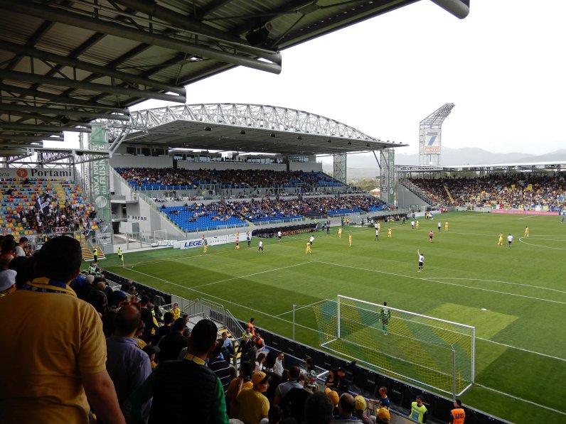 Grosse Haupttribüne im neuen Stadion