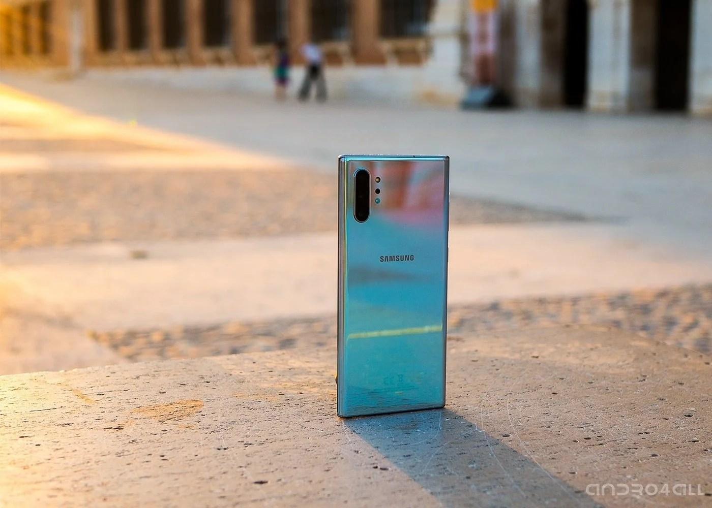Samsung Galaxy Note10+, trasera de color Aura Glow