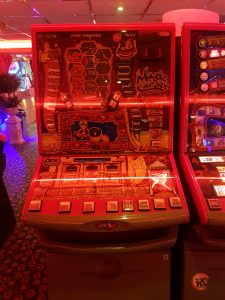 Magic Carpet Fruit Machine